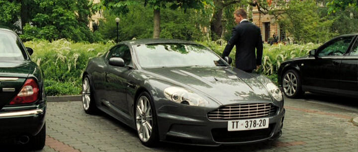Casino Royale Aston Martin Dbs Driven By Daniel Craig As