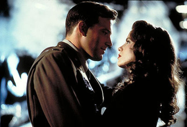 12-ben-affleck-kate-beckinsale-pearl-harbor