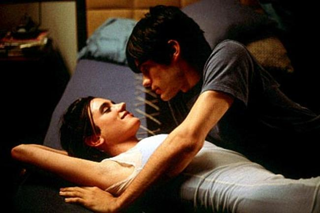 8-jennifer-connelly-and-jared-leto-in-requiem-for-a-dream