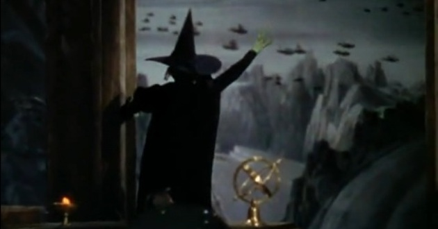 who do the flying monkeys represent in the wizard of oz
