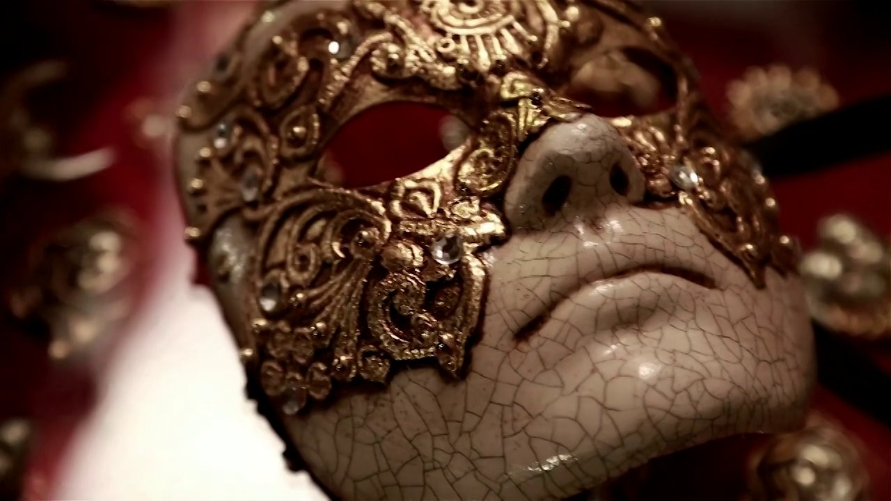 mask eyes wide shut