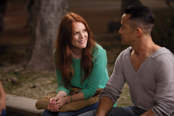 Julianne Moore in Don Jon