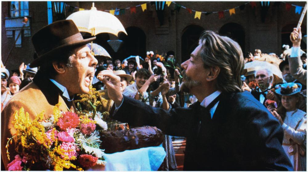 DARK EYES, (aka OCI CIORNIE, aka OJOS NEGROS), Marcello Mastroianni (left), 1987, (c) Island Pictures