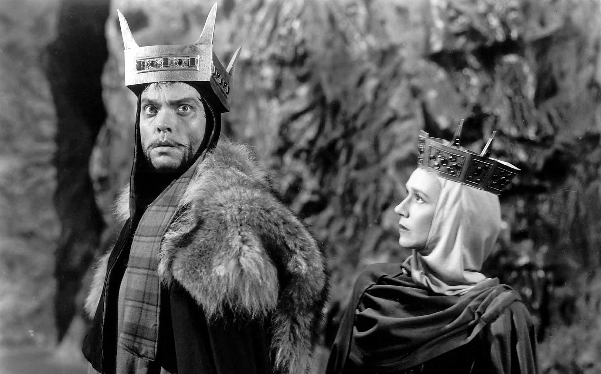 Macbeth (1948) Directed by Orson Welles Shown from left: Orson Welles (as Macbeth), Jeanette Nolan (as Lady Macbeth)