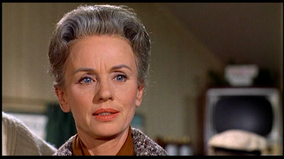 Jessica Tandy as Lydia Brenner in The Birds (1963)