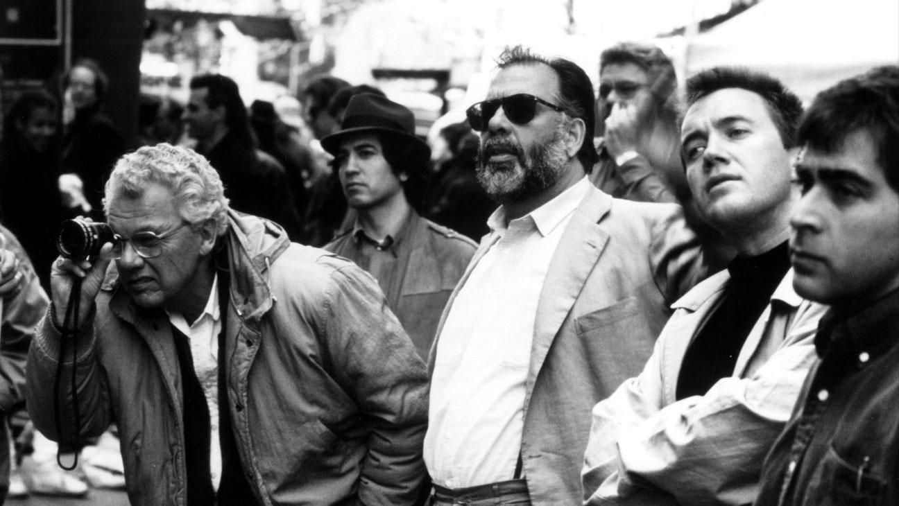 THE GODFATHER PART III US 1990 PARAMOUNT PICTURES GORDON WILLIS director of photography left FRANCIS FORD COPPOLA director centre right Date 1990, Photo by: Mary Evans/Ronald Grant/Everett Collection(10317542)