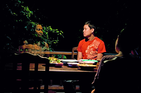 Uncle-Boonmee-Who-Can-Recall-His-Past-Lives-03._Natthakarn_Aphaiwonk_Sakda