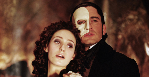 phantom-of-the-opera-2004