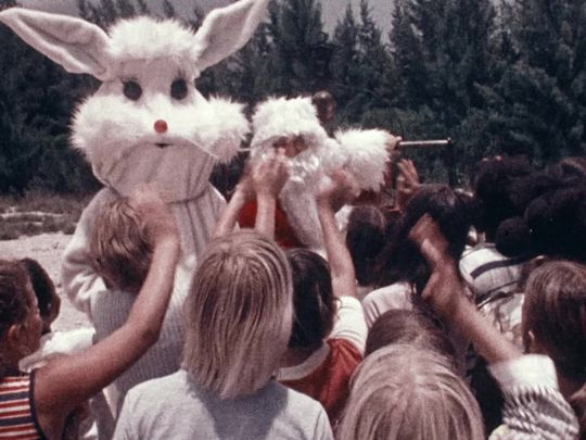 santa-and-the-ice-cream-bunny-1972