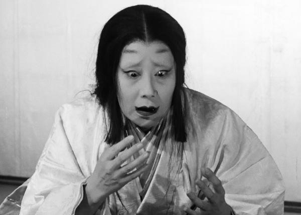 throne-of-blood-1957-movie-review-lady-macbeth-asaji-washizu-isuzu-yamada-blood-akira-kurosawa