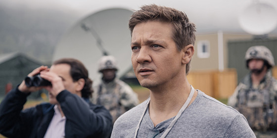 jeremy-renner-in-arrival