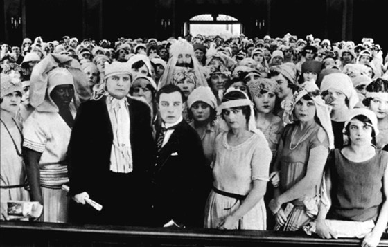 chaplin vs buster Buster keaton was born in the vaudeville atmosphere his father owned the mohawk indian medicine company, a small travelling show, where keaton began performing at the age of three legend has it that it was harry houdini the responsible for nicknaming keaton when he witnessed keaton's father.