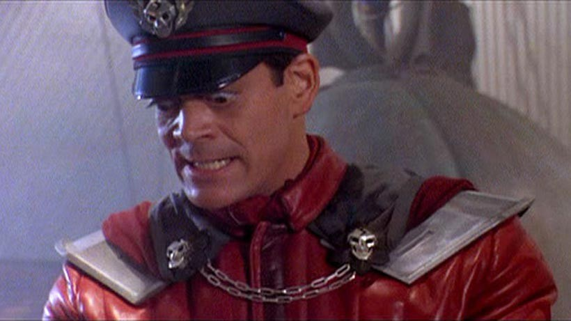 Raul Julia - Street Fighter