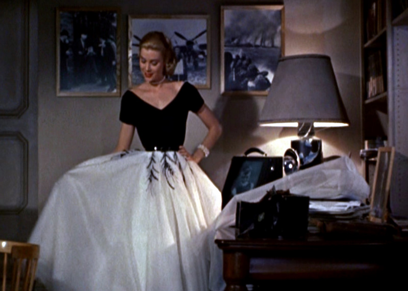 Rear-Window_grace-Kelly