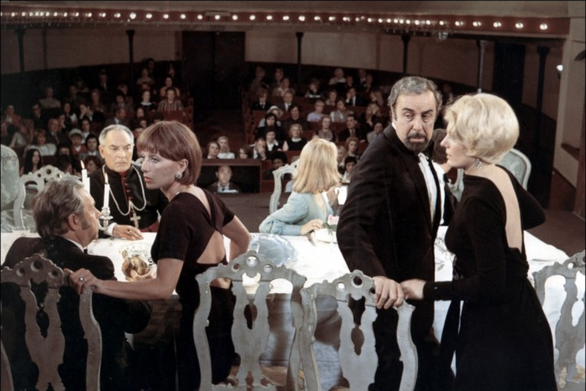 Le charme discret de la bourgeoisie (1972)