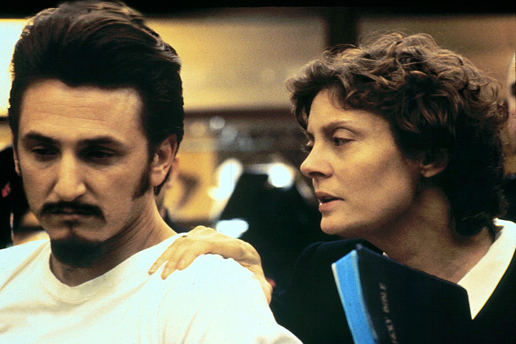 FILM: DEAD MAN WALKING (1995)SUSAN SARANDON AND SEAN PENN IN A