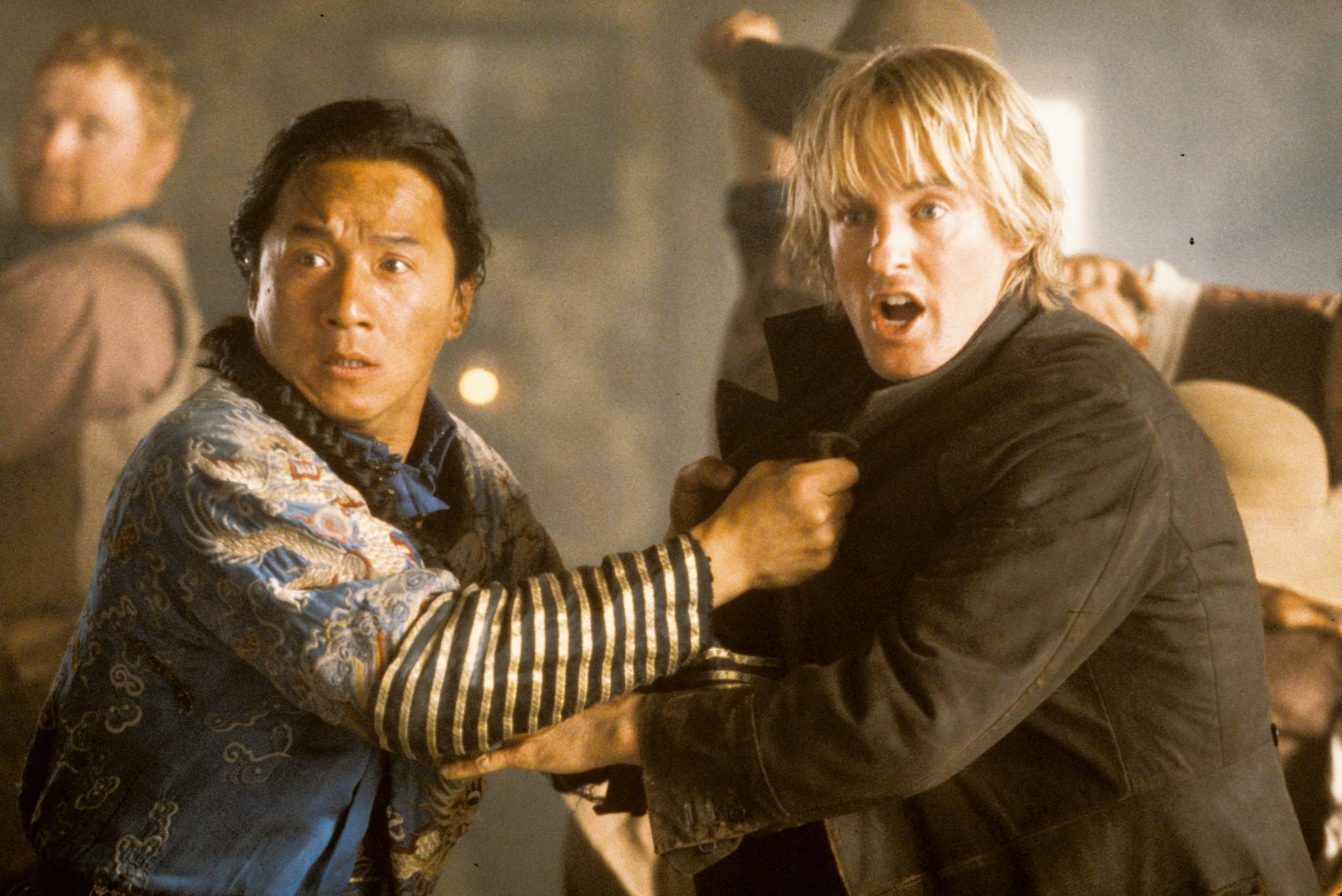 still-of-jackie-chan-and-owen-wilson-in-shanghai-noon-(2000)