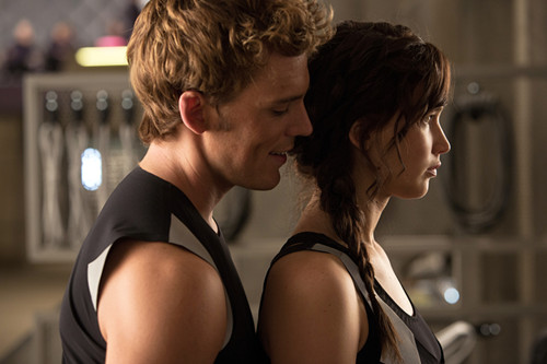Sam-Claflin-and-Jennifer-Lawrence-in-The-Hunger-Games-Catching-Fire
