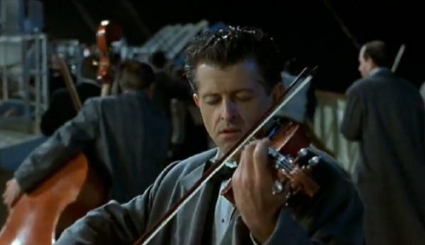 Violinist (or the whole band), Titanic