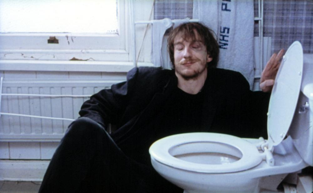 NAKED, David Thewlis, 1993. ©Fine Line Features