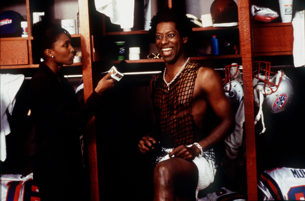 "Jamie Vane, left, and Orlando Jones in a scene from the motion picture ""The Replacements."" --- DATE TAKEN: rcd 7/00 By Ron Phillips Warner Bros. HO - handout ORG XMIT: PX27342"