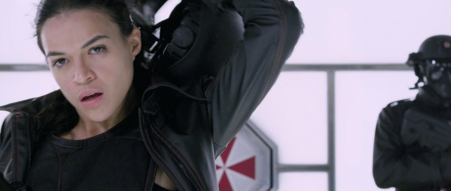 Resident Evil Retribution (2012) - One, Rain & Carlos