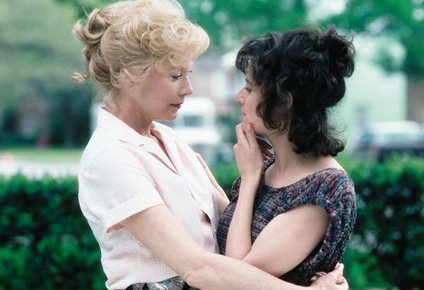 debra-winger-vs-shirley-maclaine-terms-of-endearment