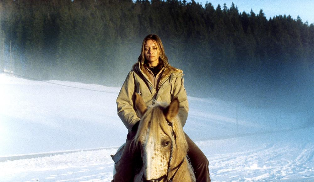 THE INTRUDER, (A.K.A. L'INTRUS), Katia Golubeva, 2004