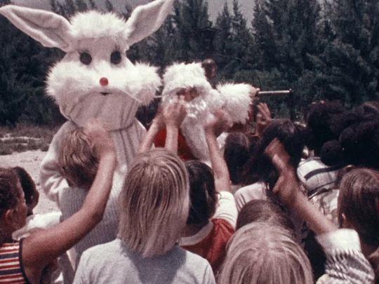 santa-and-the-ice-cream-bunny-1972